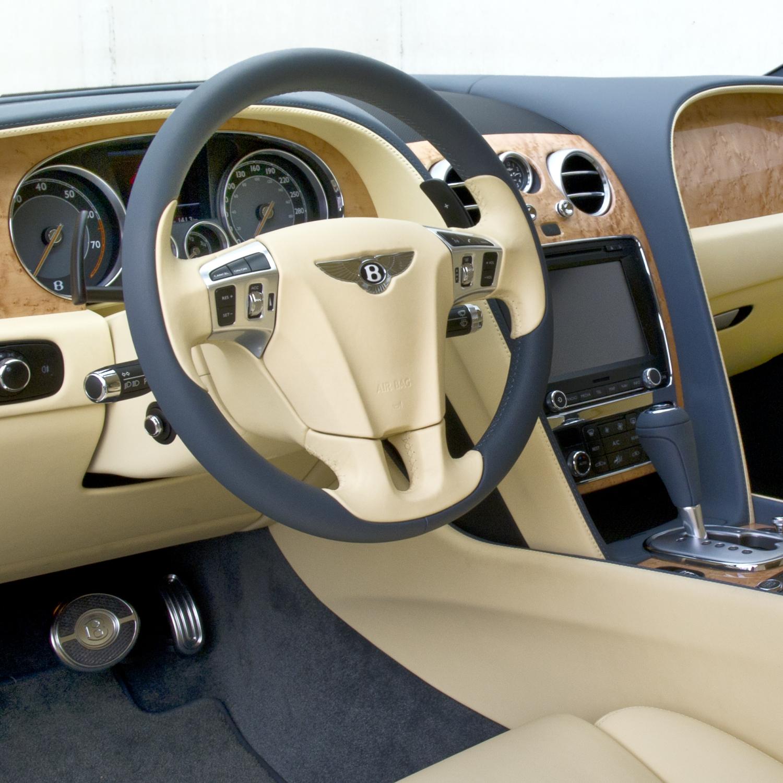 Bentley_110526_1445-Bearbeitet_1x1